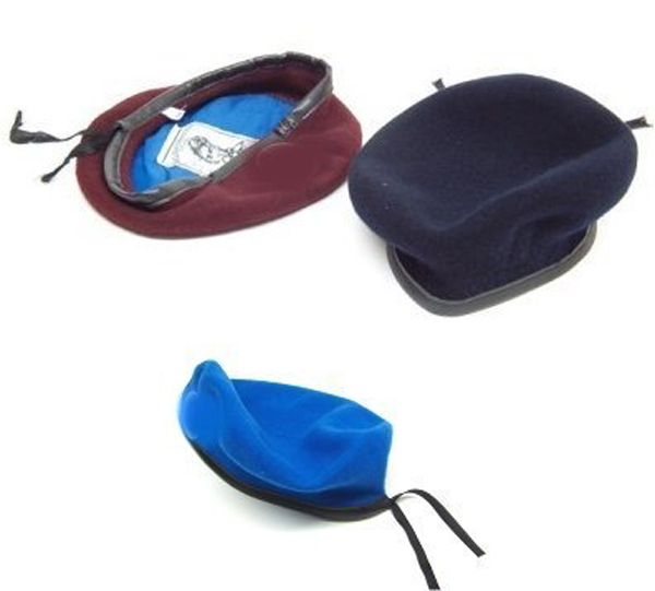 Basco in 100% lana. Colori disponibili  blu notte per polizia municipale d2c653e4f438